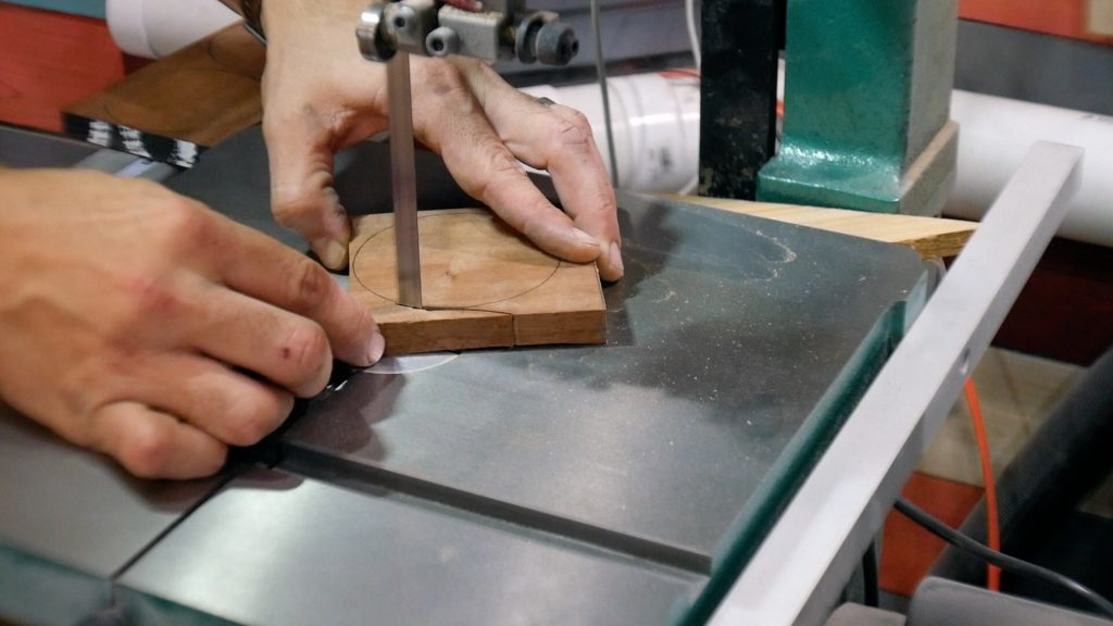Walnut River Table - Pipe Pads Bandsaw