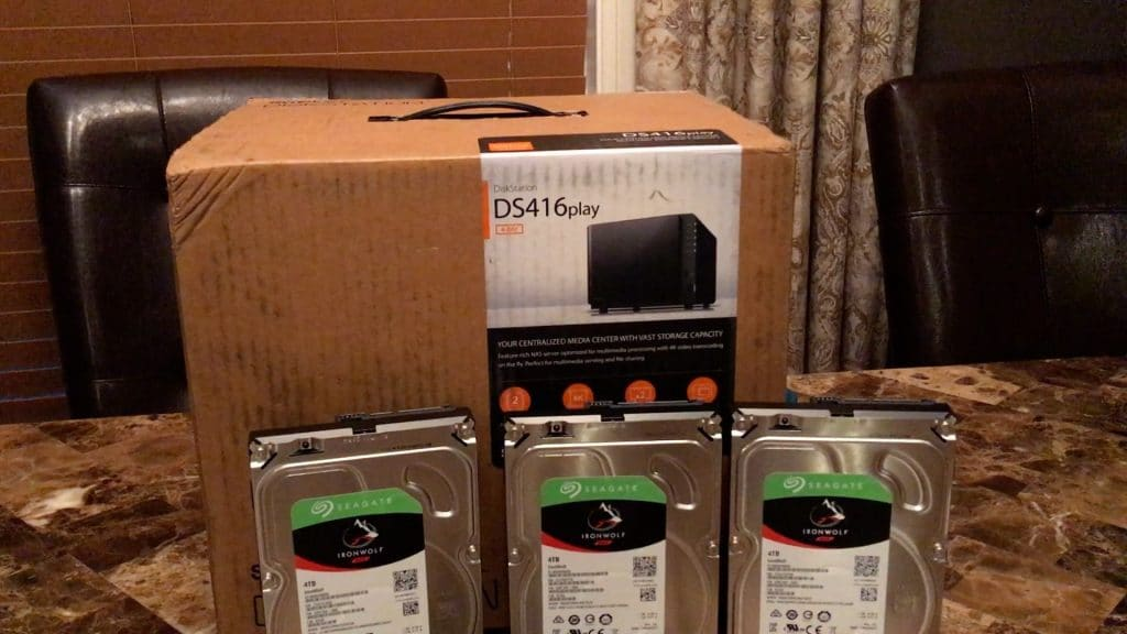 Synology DS416 - Seagate 4TB HDD unboxing - 2