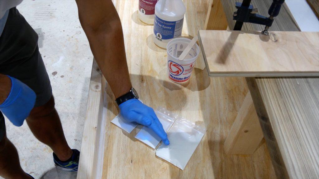 epoxy-resin-river-table-glowpowder_20171016_18
