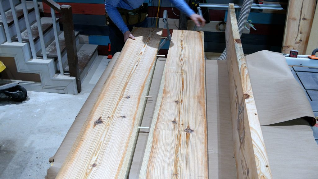 How to Make a Rustic Table with Epoxy Resin - Mallet for Dowels