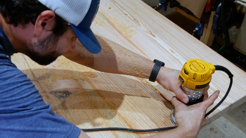 how to make a rustic table with epoxy resin - route resin inlay