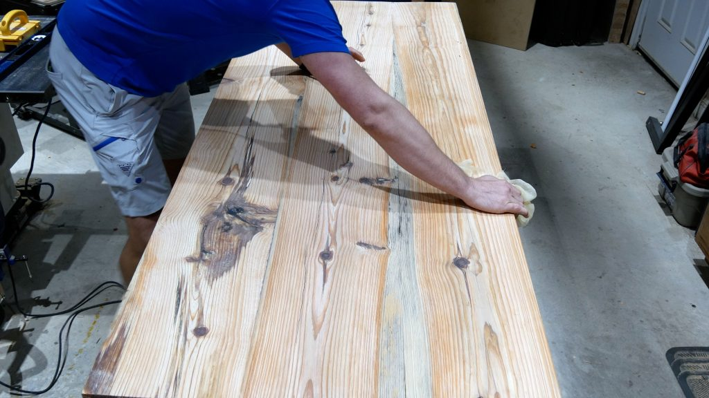 how to make a rustic table with epoxy resin - tack cloth