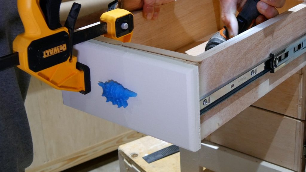 DIY Base Cabinet with Drawers_clamp drawer face