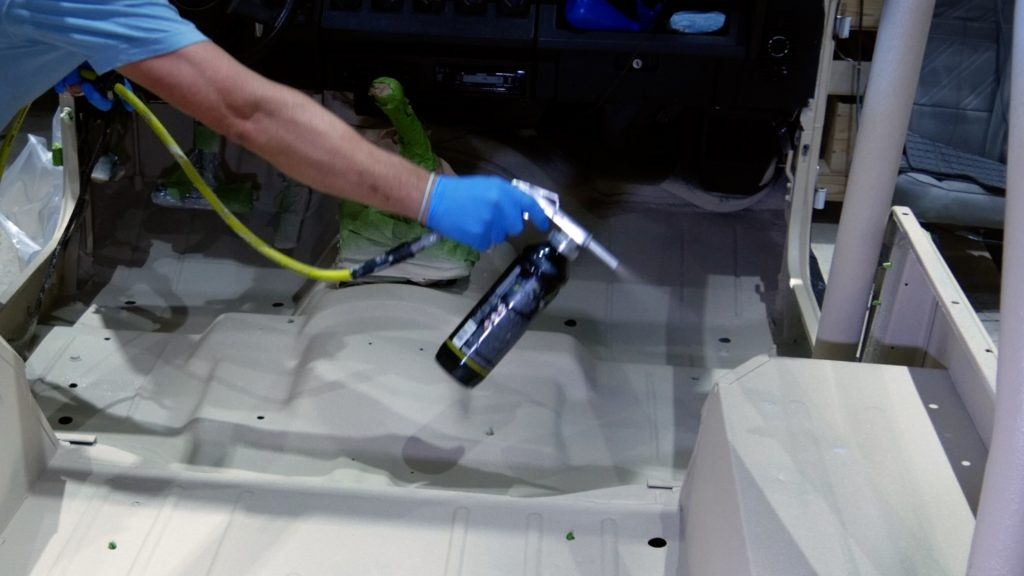 how to spray bed liner in a jeep wrangler interior_second coat