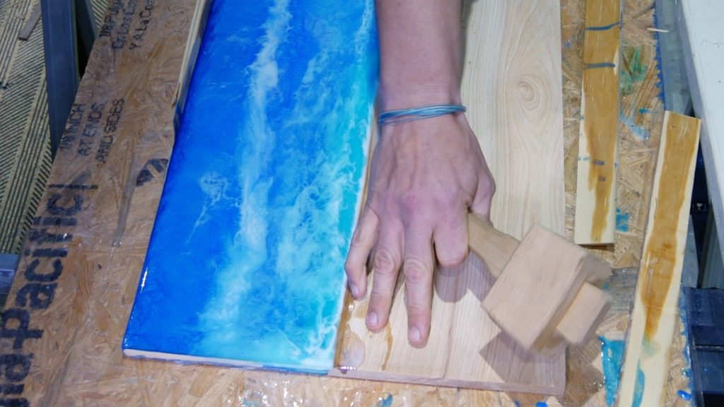 remove epoxy resin art from resin mold