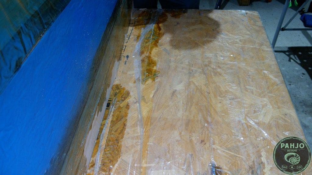 remove epoxy mould