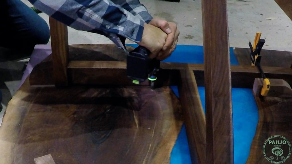how to install threaded inserts in wood