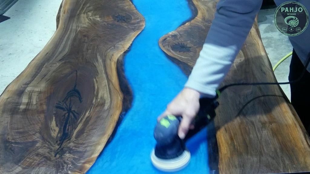 apply rubio monocoat on epoxy wood slab table
