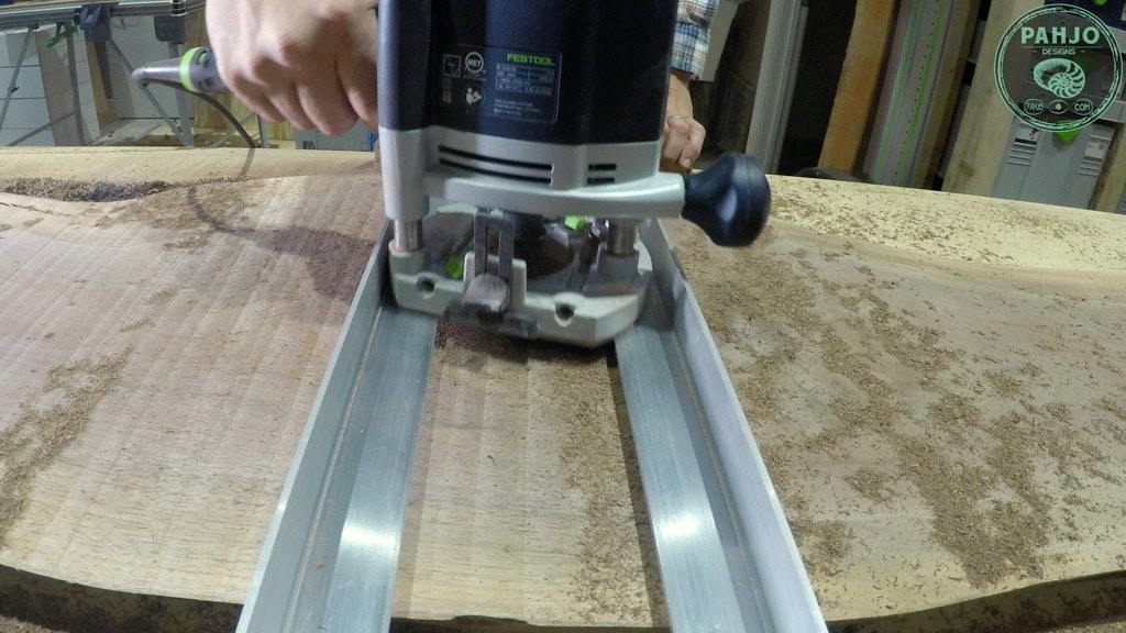 how to flatten wood slab with router