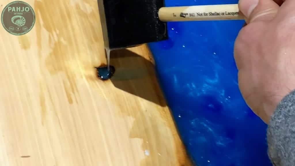 filling wood knots with epoxy